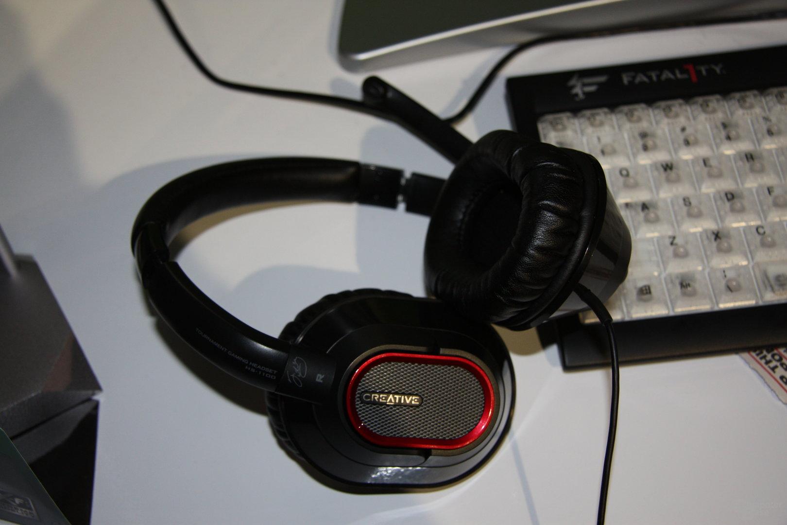 Creative HS-1100