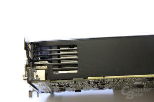 GeForce GTX 285 Kühlerschlitze