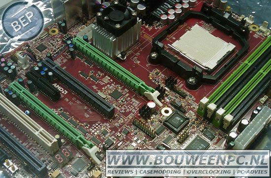 AMD-Referenzplatine mit 890FX+SB850