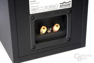 Anschlussterminal der kompakten Nubert-Lautsprecher