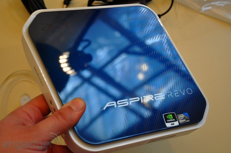 Acer AspireRevo unboxed