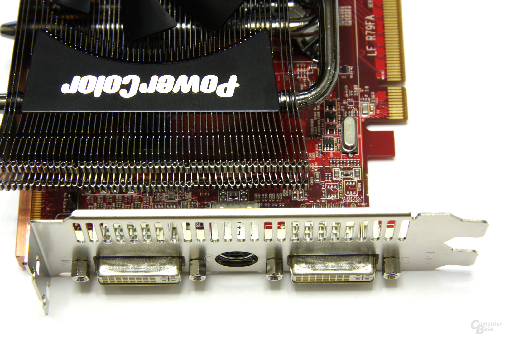 Radeon HD 4890 PCS+ Anschlüsse