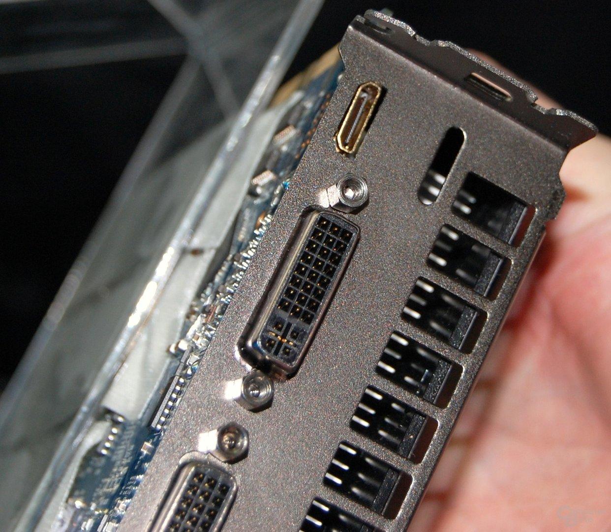 Galaxy/KFA² 9800 GT mit Mini-HDMI