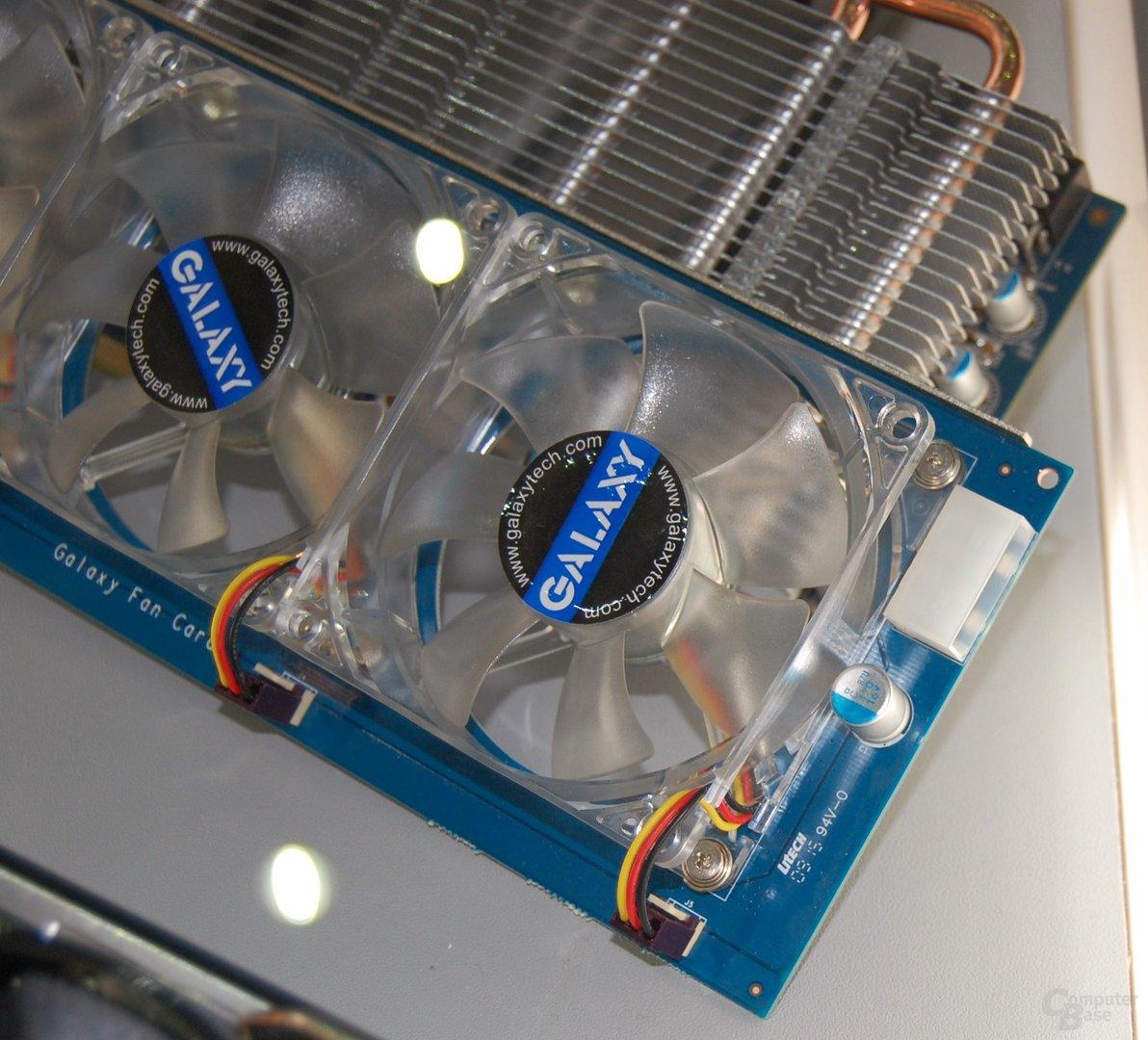 Passive Galaxy/KFA² GTX 285 mit PCIe-X1-Kühler