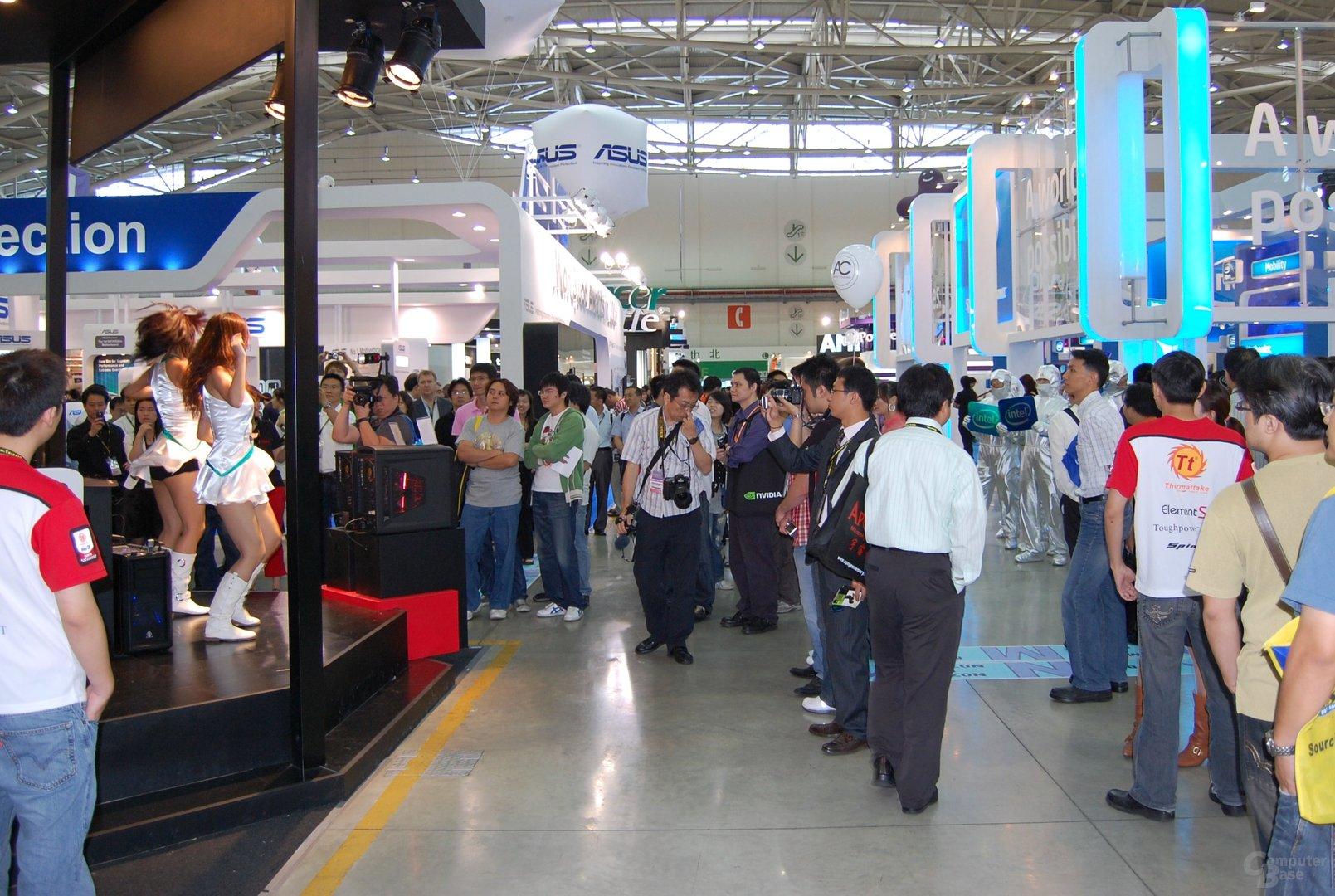 AMD vs. Intel im Show-Bereich