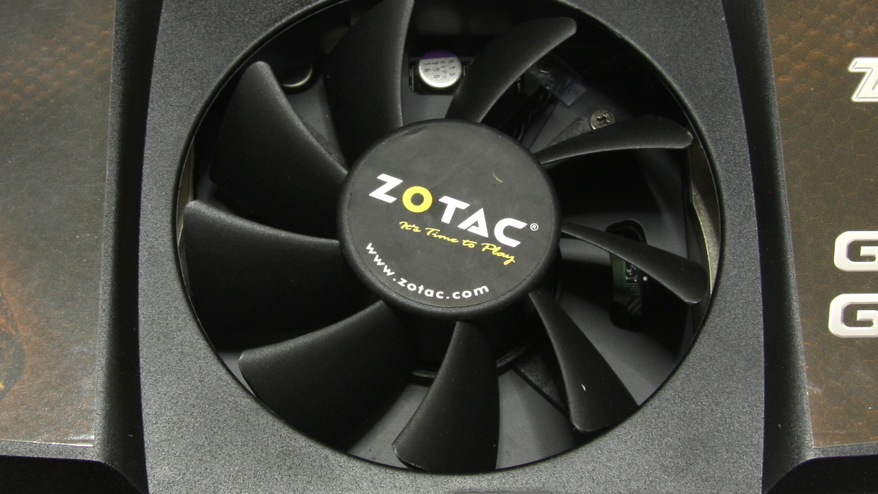GeForce GTX 295 im Test: Überarbeitete Zotac-Karte funktioniert besser