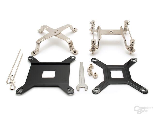 Links: Bolt-Thru Sockel 1366, Rechts: Serienmaterial für Sockel 775