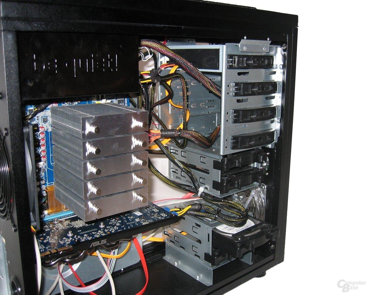 ASUS TA-U21 – Vorderseite mit Hardware