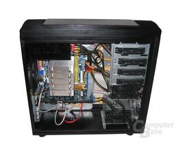 ASUS TA-U2 – Innenraum mit Hardware