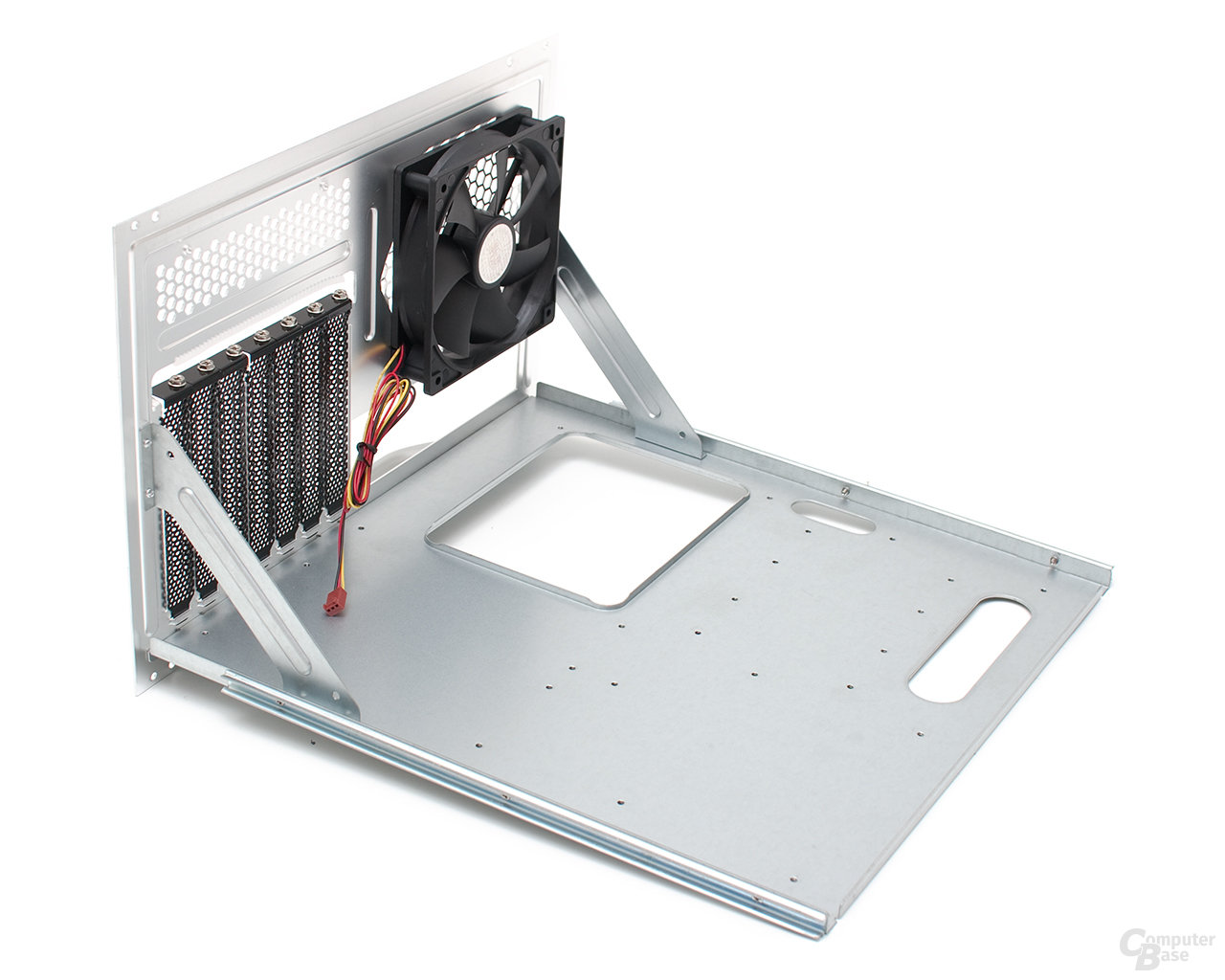 Cooler Master ATCS 840 – Mainboardtray
