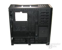 Corsair Obsidian 800D – Innenraum ohne Backplatten-Abdeckung