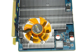 GeForce GT 220 von oben