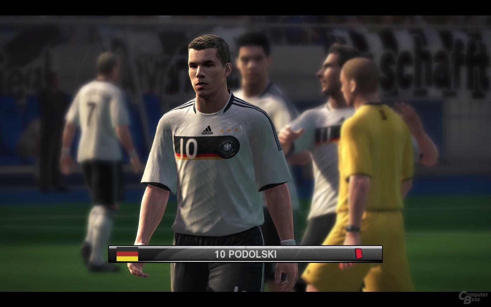 Lukas Podolski – Dank erweiterter Lizenz nun auch bei PES
