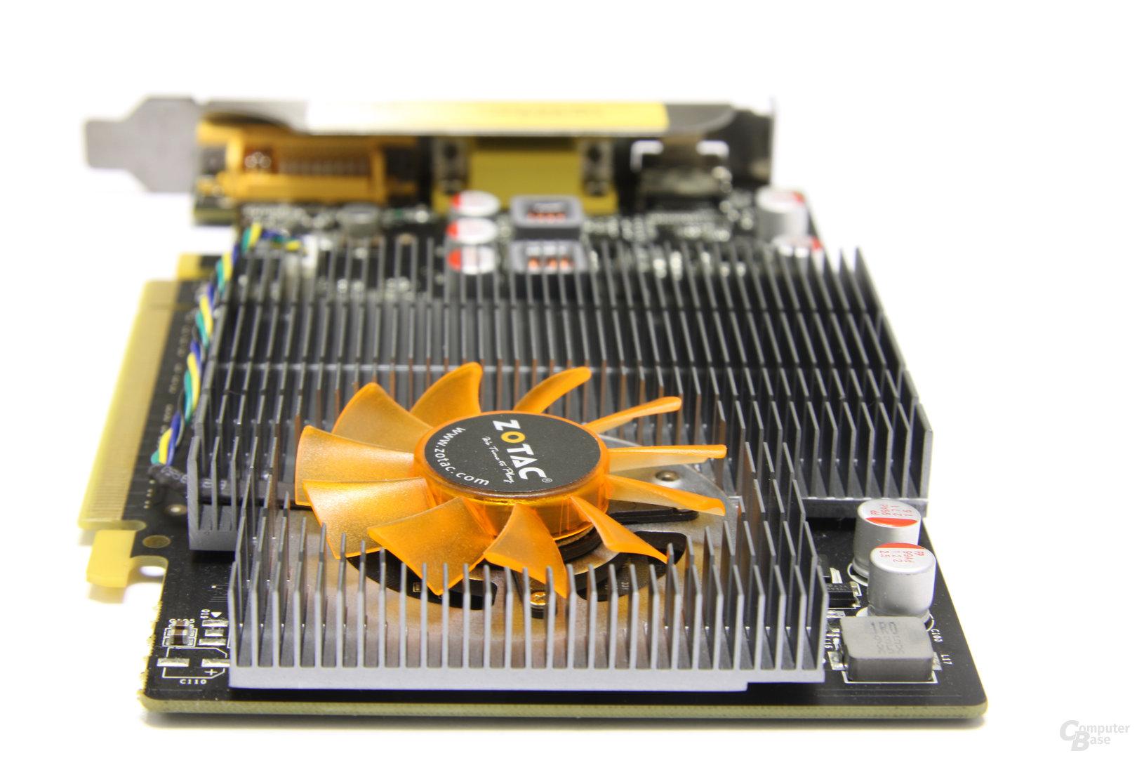 GeForce GT 240 von hinten
