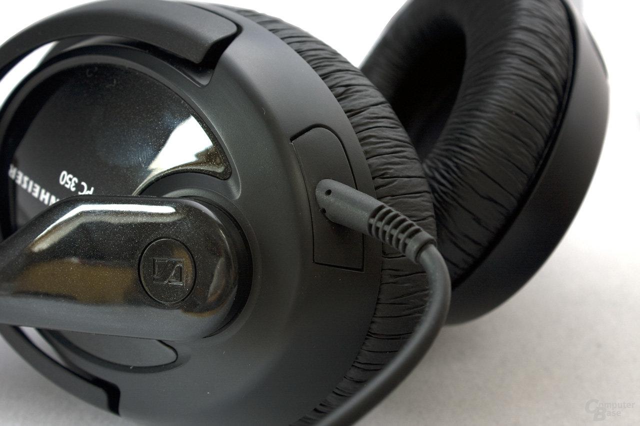 Kabel ist fest mit dem Kopfhörer verbunden