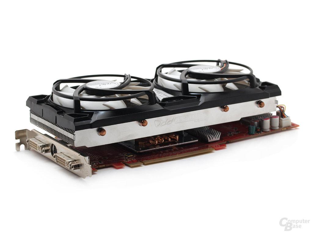 Arctic-Cooling Twinturbo Pro montiert