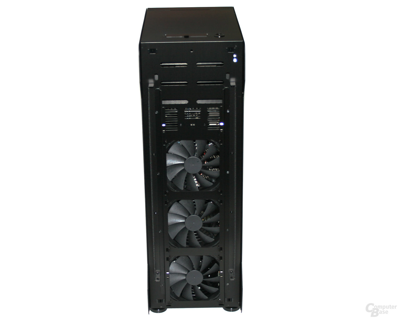 Lian Li TYR Super-Case PC-X2000BW – 140-mm-Lüfter in der Front