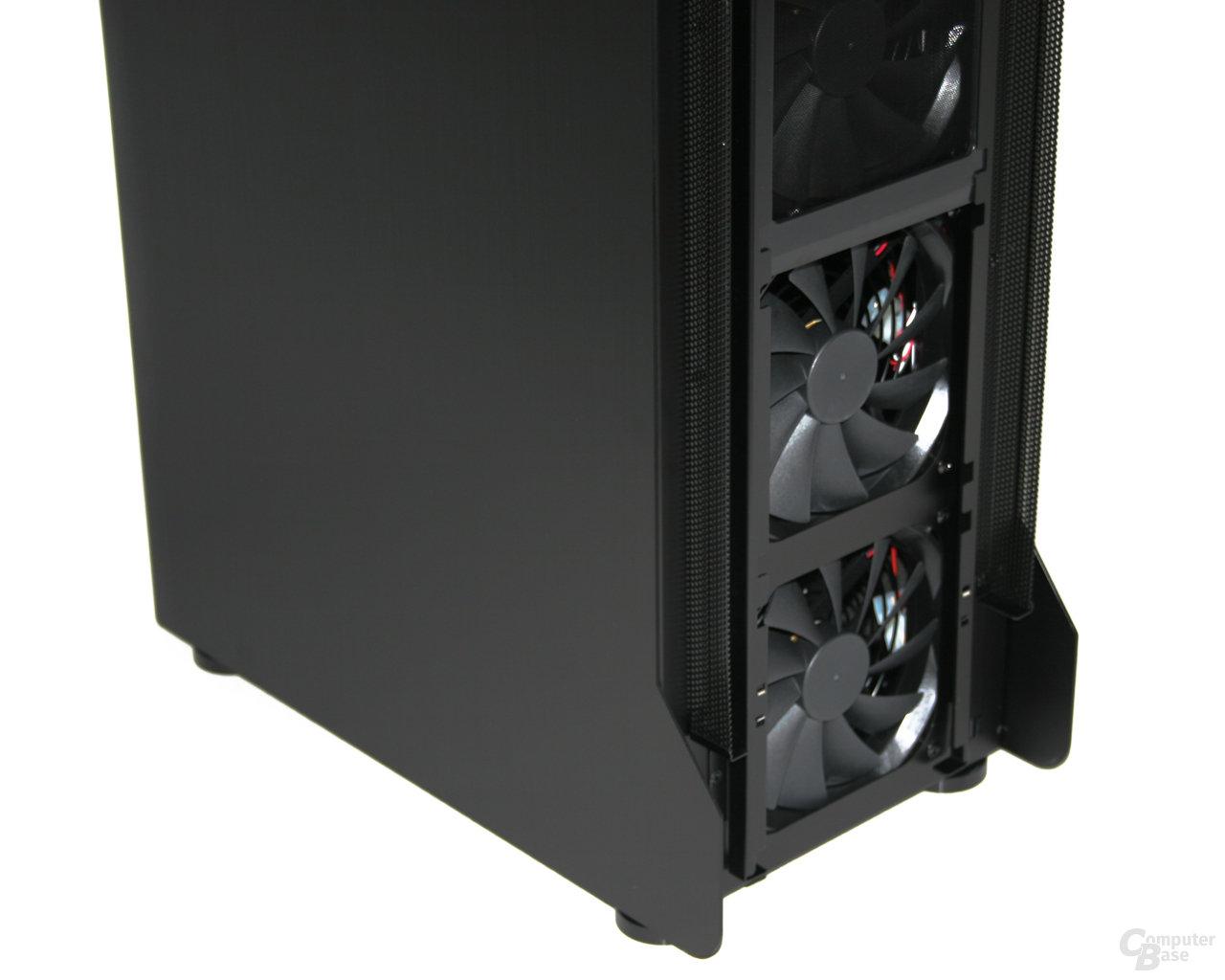 Lian Li TYR Super-Case PC-X2000BW – Detailansicht Frontlüfter