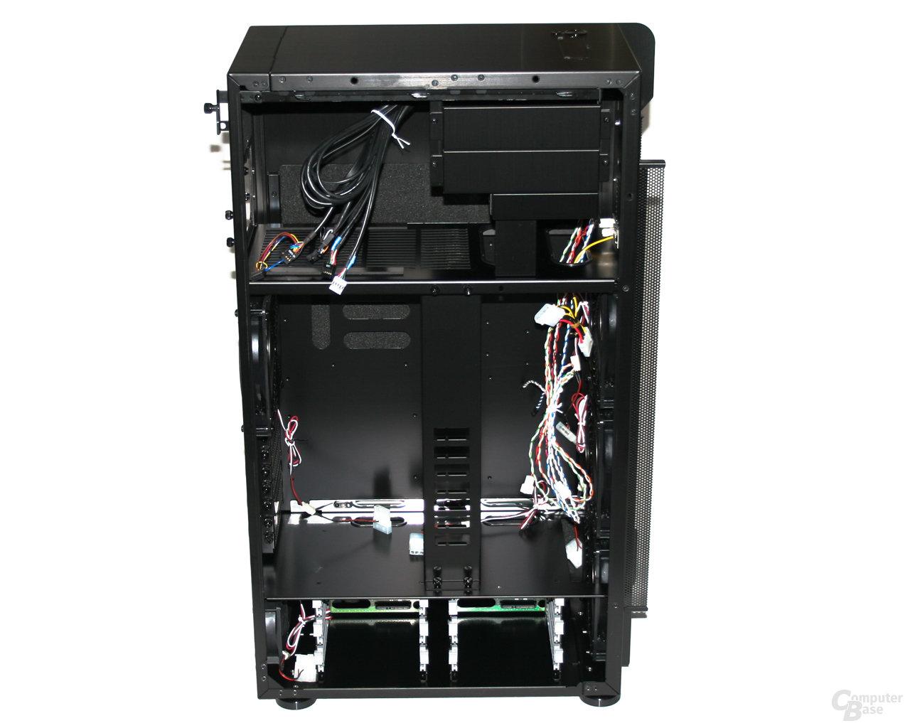Lian Li TYR Super-Case PC-X2000BW – Innenansicht links