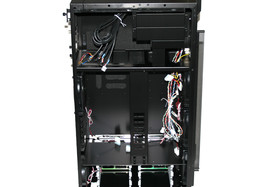 Lian Li TYR Super-Case PC-X2000BW – Innenansicht links