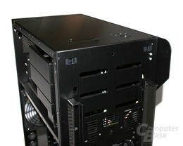 Lian Li TYR Super-Case PC-X2000BW – Status-LEDs