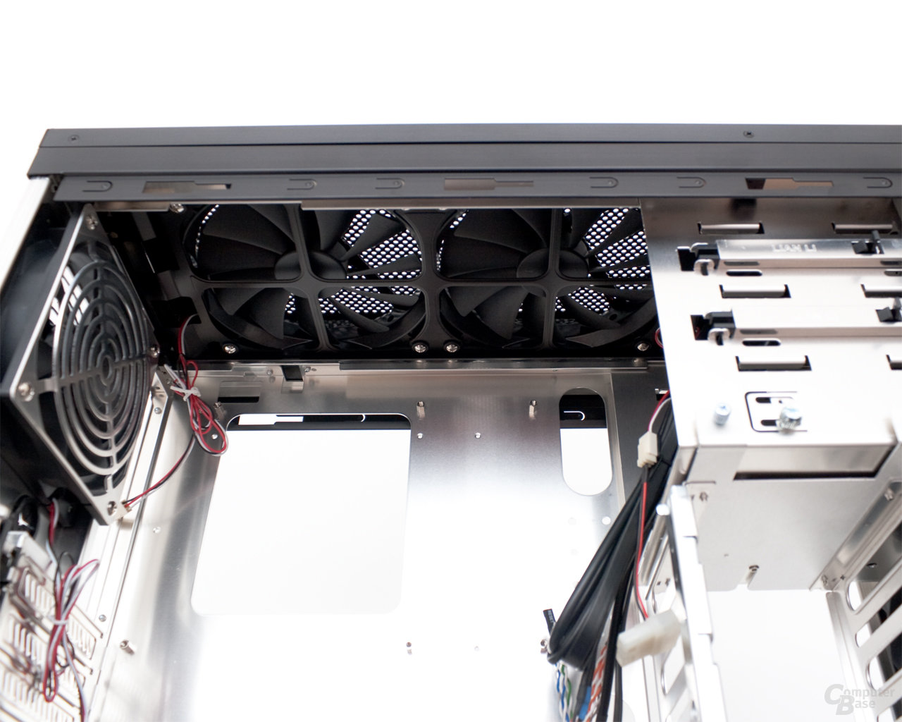 Lian Li PC-B25F – Innenraum oben