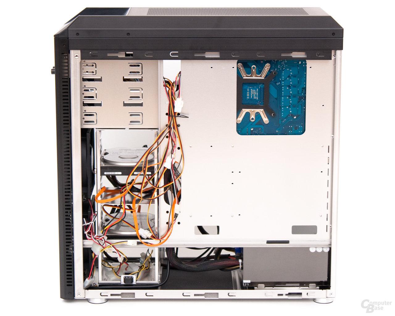 Lian Li PC-B25F mit Testsystem