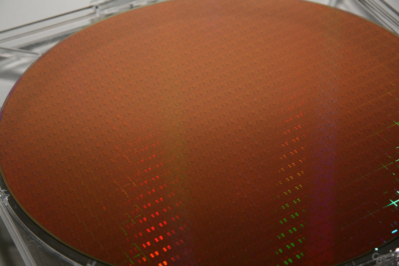 12-Zoll-Wafer mit 32-nm-Chips