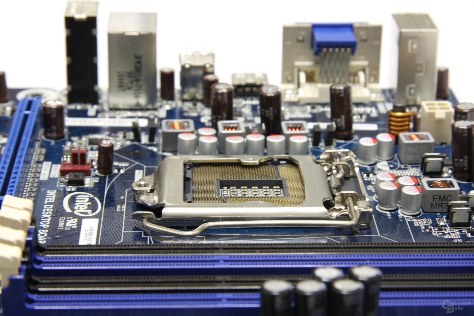 Intel DH55TC H55 - Schrägansicht