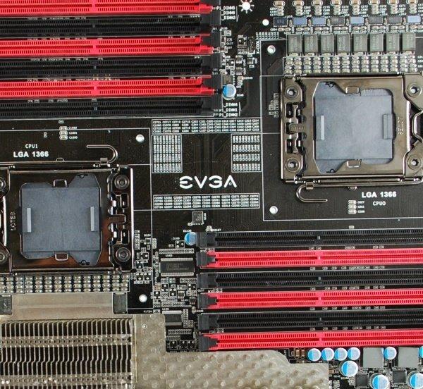 Dual-Sockel-LGA-1366-Mainboard von EVGA