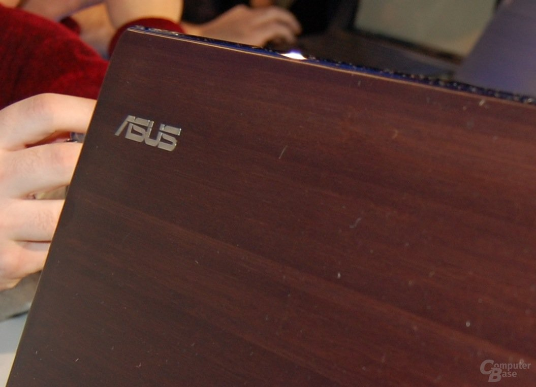 Asus U-Serie mit Bambus
