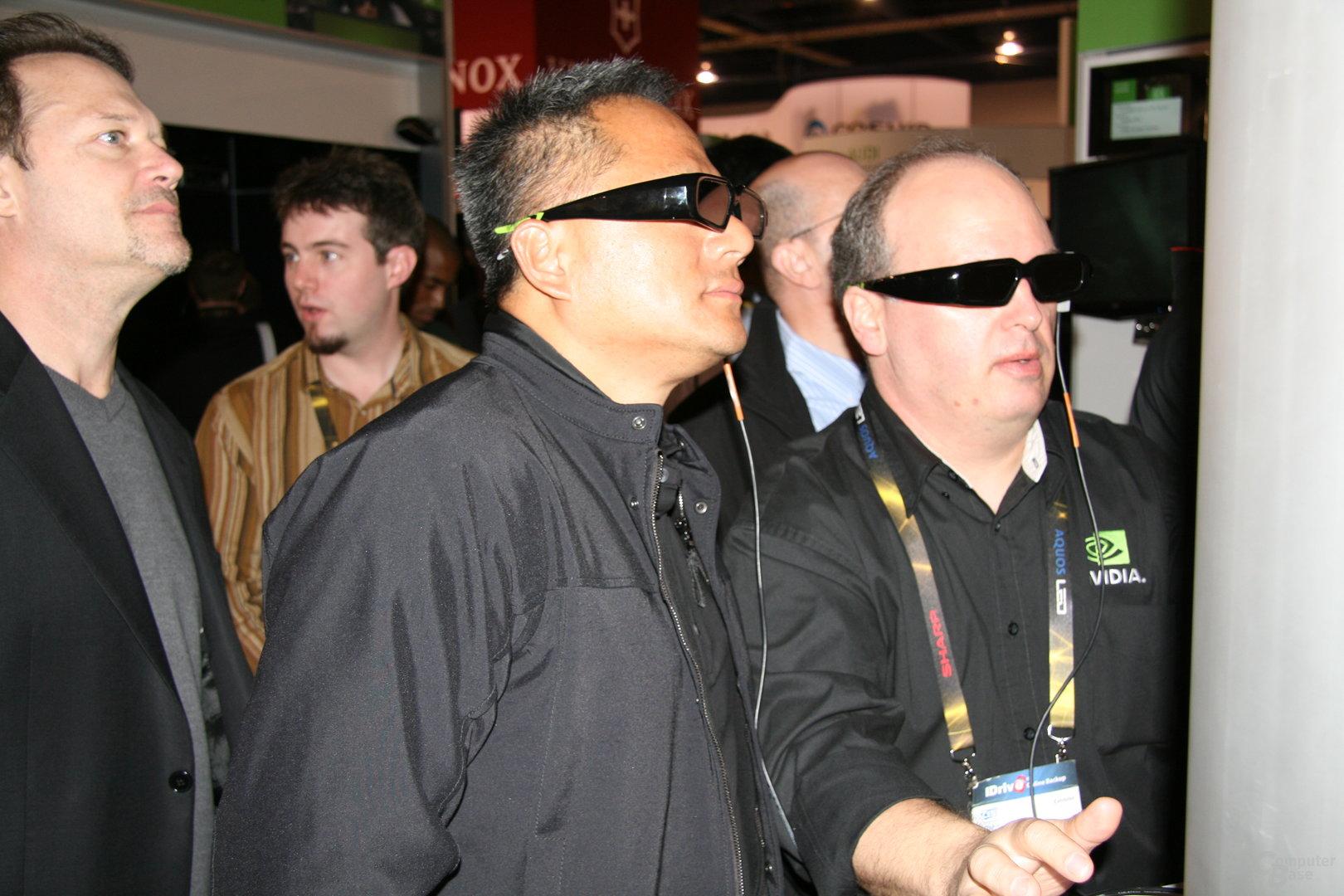 CEO Huang bewundert lauffähige Nvidia GeForce GF100 Fermi