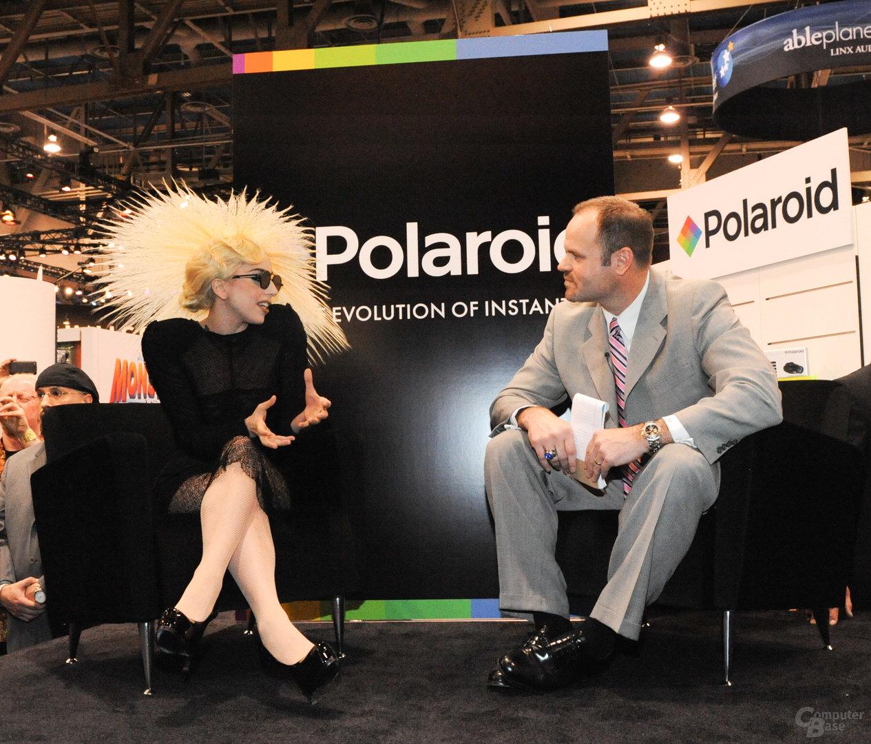 Lady Gaga bei Polaroid