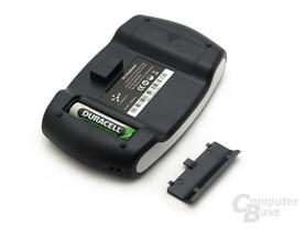 Zwei Batterie-/Akku-Fächer