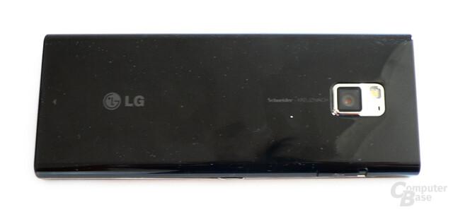 BL40-Rückseite: Gut verarbeitet, aber schmutzanfällig
