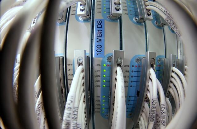 Einer der lokalen Vermittlungsknoten von KDG, ein so genanntes Cable Modem Termination System (CMTS), das bereits für DOCSIS 3.0 vorbereitet ist.