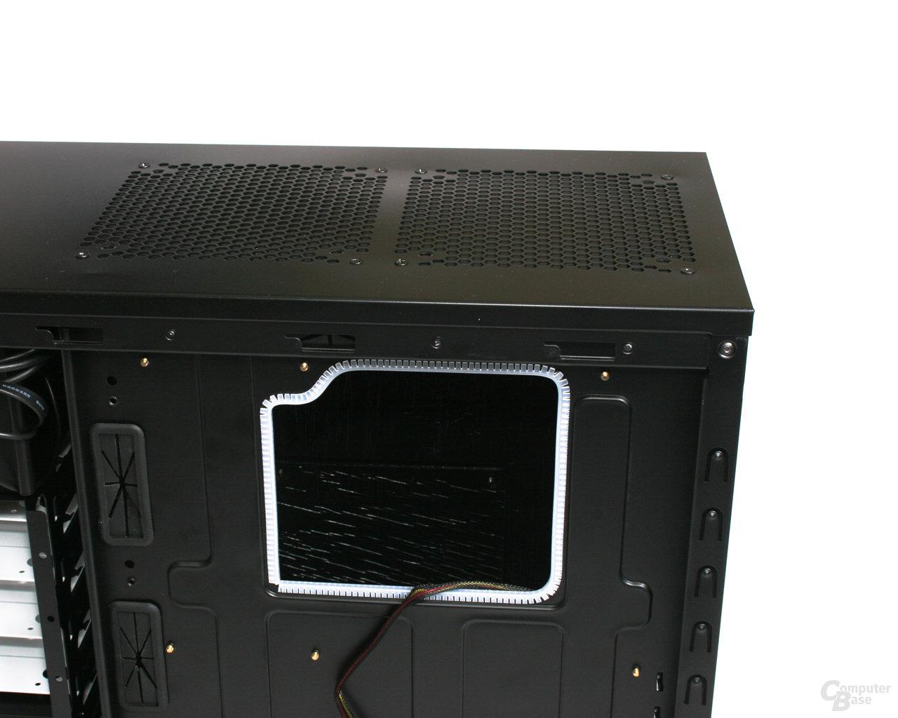 Fractal Design Define R2 – Öffnung Mainboard-Tray