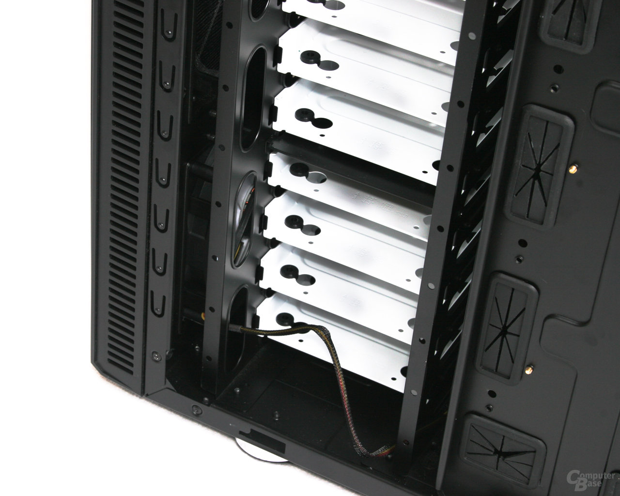 Fractal Design Define R2 – Festplattenhalterung rechts