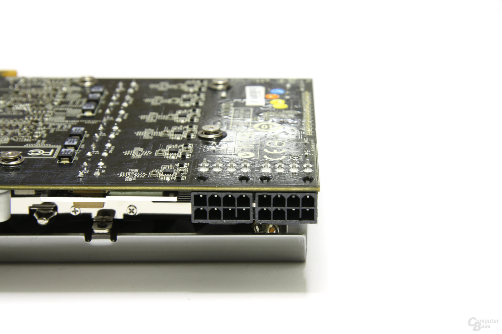 Radeon HD 5870 Lightning Stromanschlüsse