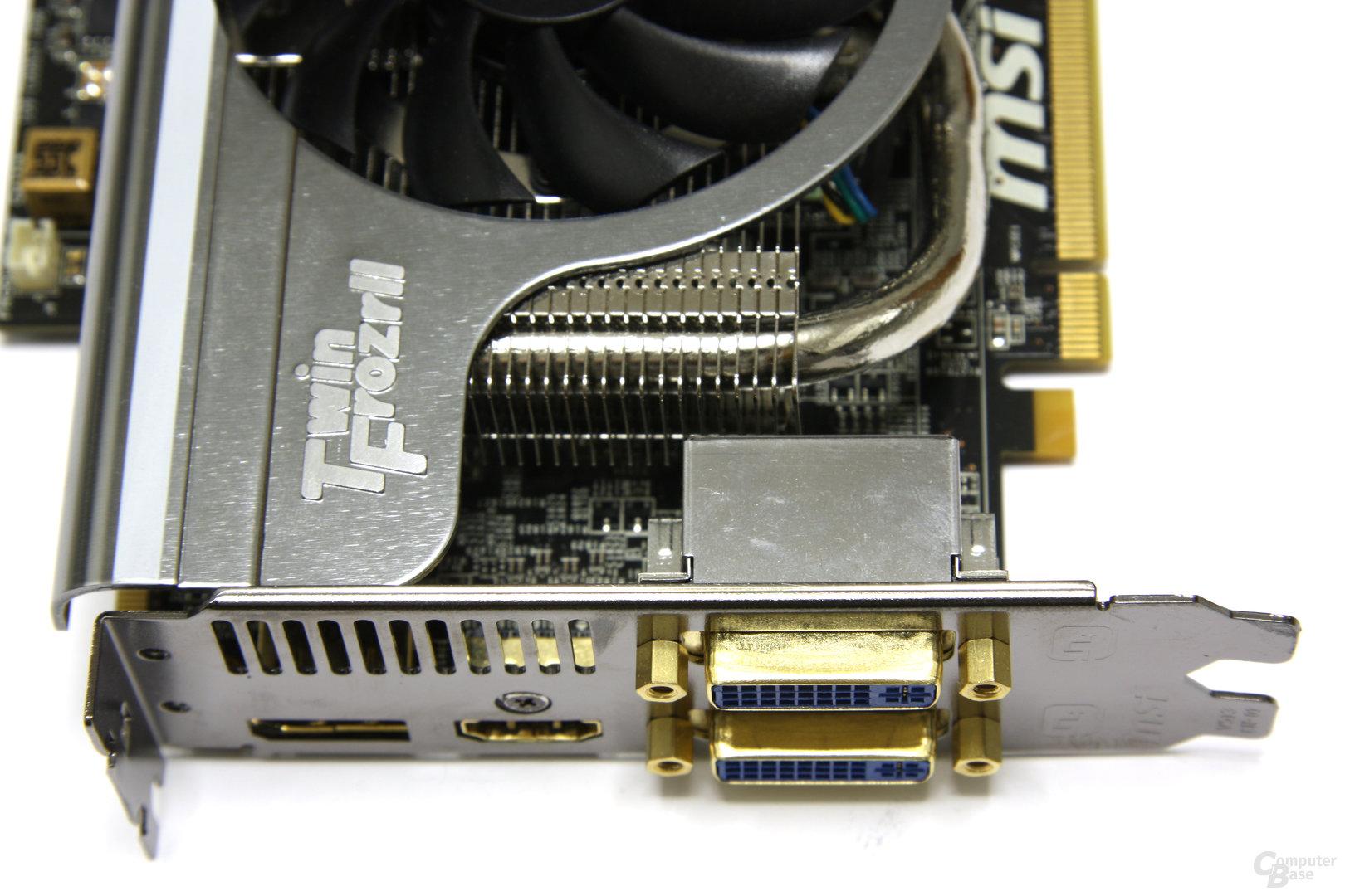 Radeon HD 5870 Lightning Anschlüsse