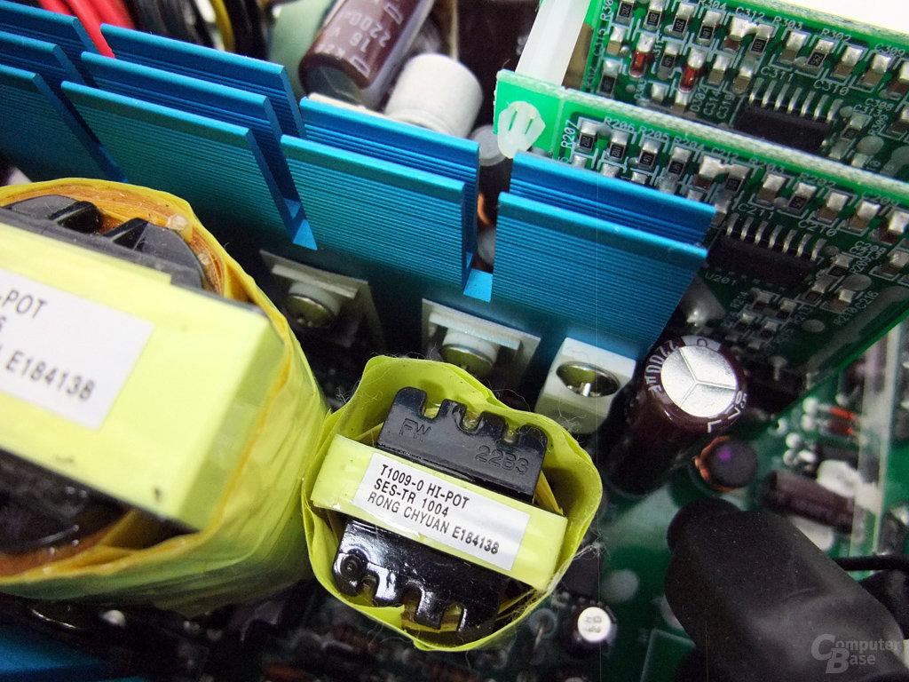 Enermax Modu87+ 600W – Transformatoren u. Halbleiter