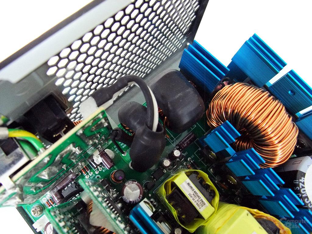 Enermax Modu87+ 600W – Netzfilterung