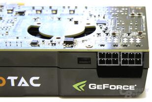 GeForce GTX 470 Stromanschlüsse