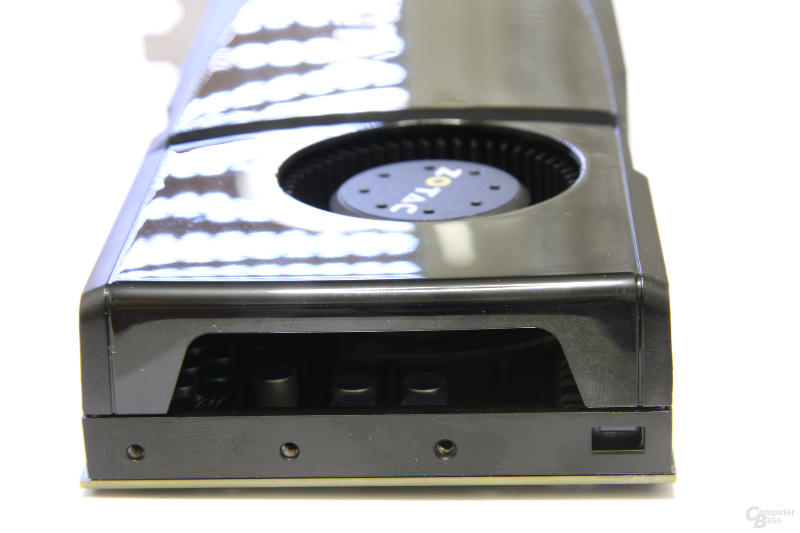GeForce GTX 470 von hinten