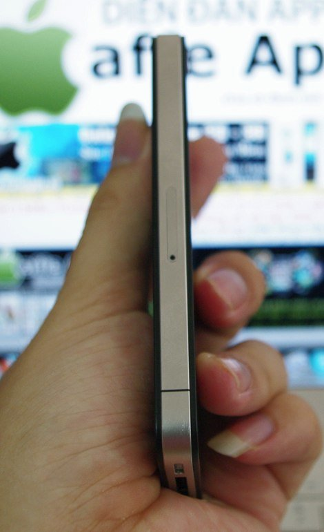 iPhone-Prototyp – Micro-SIM-Kartenslot
