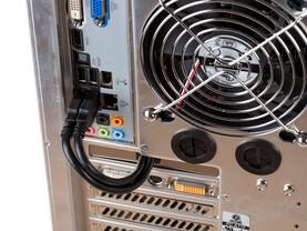 Lian Li PC-A77F – Kabelführung für USB 3.0