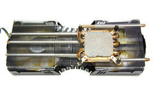 GeForce GTX 470 AMP! Rückseite Kühler