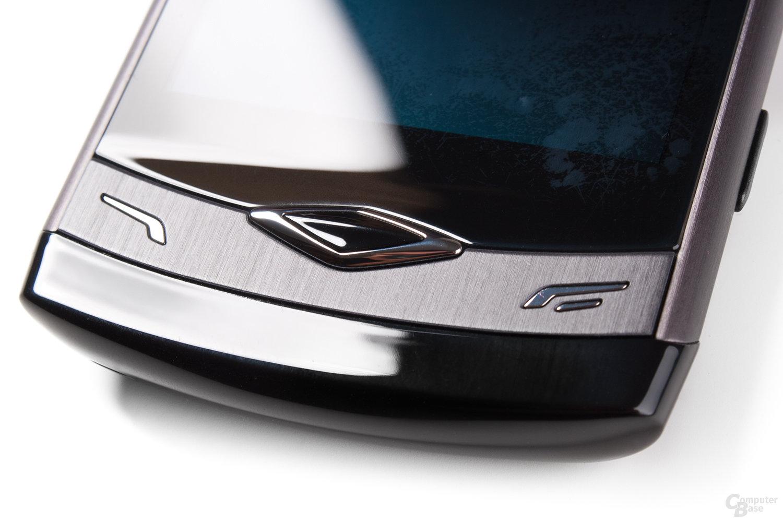 Samsung Wave S8500: Zentraler Knopf: Designtechnisch fragwürdig, verarbeitungstechnisch mäßig