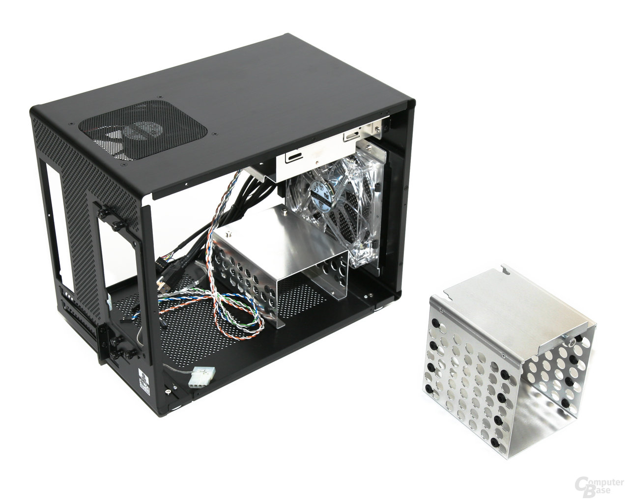 Lian Li PC-Q08 – Demontierter Festplattenkäfig