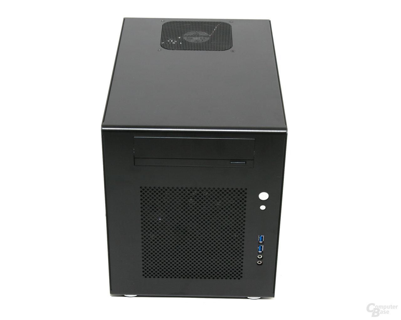 Lian Li PC-Q08 – Front